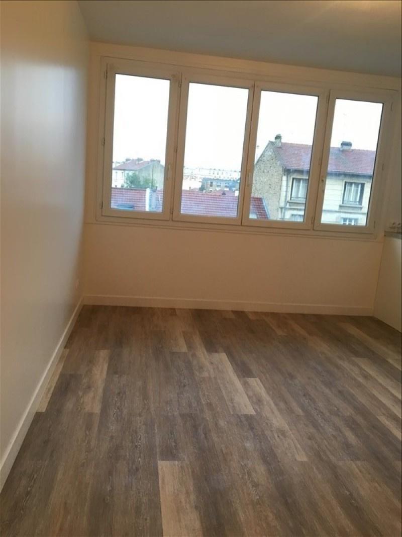 Près de la Place du Marché, nous vous proposons un appartement de type 3 pièces au sein d'une résidence sécuri