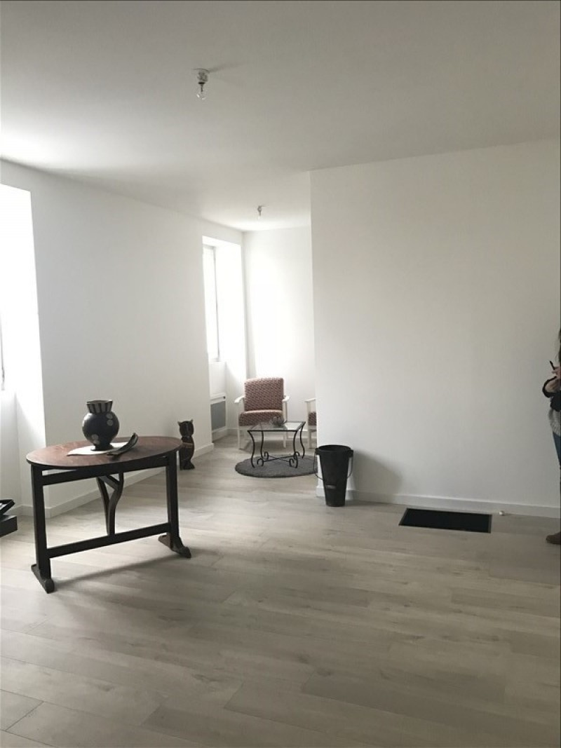 Rue du Maréchal Foch à orly. ~Très bel appartement 2 pièces au 1er étage d'une charmante copropriété, …